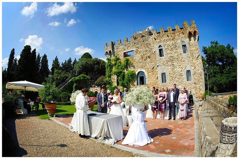 Castello di Vincigliata wedding ceremony