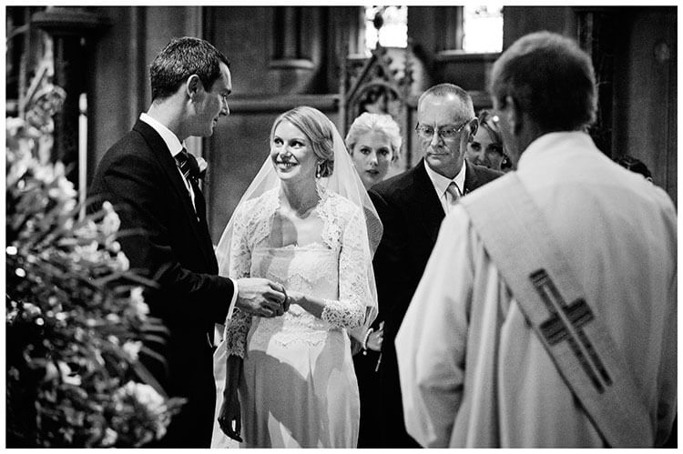 olem-church-exchange-vows