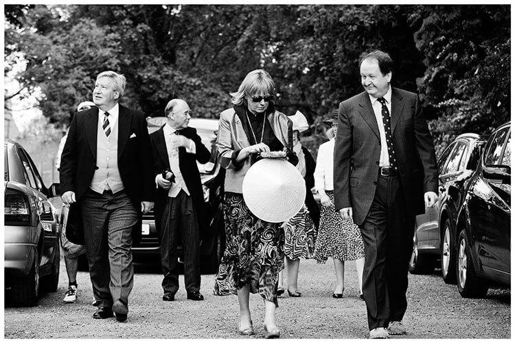 Hartford Church Wedding guests arrive