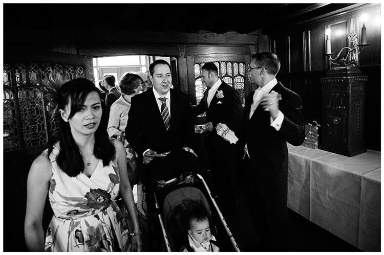 Fanhams Hall wedding guests arriving