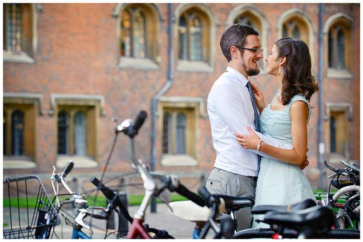 Michaelhouse wedding bride, groom, embrace, bicycles, cambridge