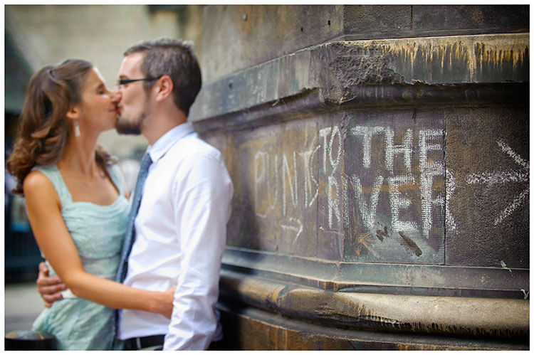 Michaelhouse wedding bride groom kiss chalk sign to the river