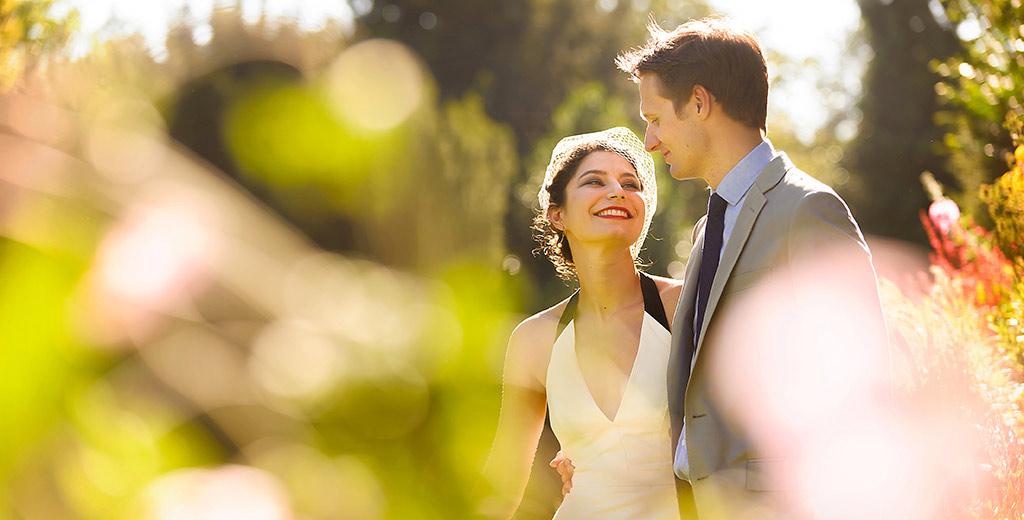 creative documentary wedding photographer cambridge clare college uk europe bride groom romance summer sun