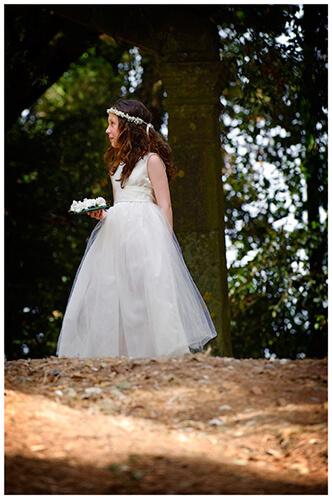 Castel di Poggio wedding flowergirl