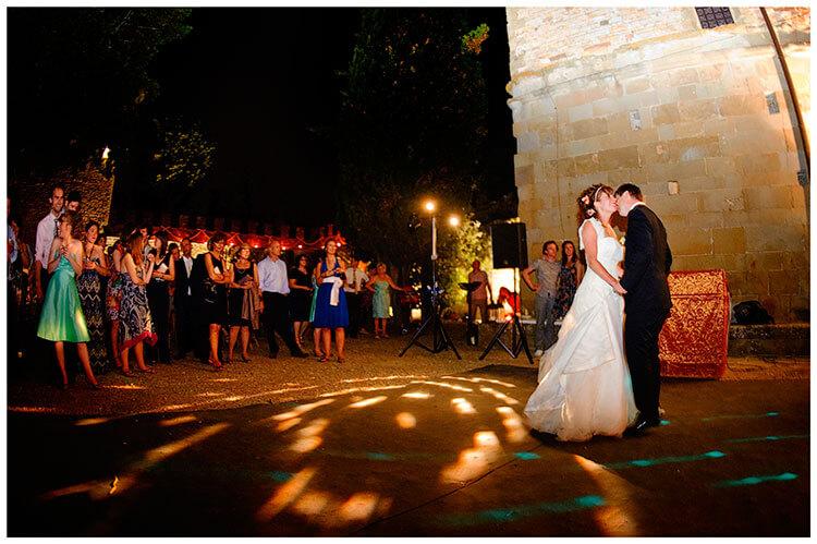 Castel di Poggio wedding first dance outside
