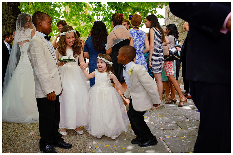 Fraternita di Romena wedding young guests enjoying the occasion