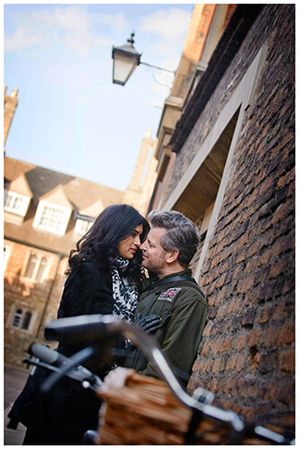 pre-wedding photography Cambridge leaning against wall lamp bicycle