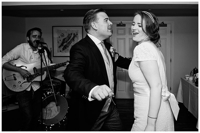 bride groom sing along during first dance