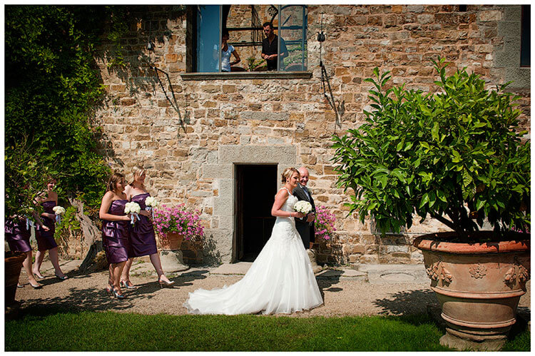 Castello di Vincigliata wedding bridal party