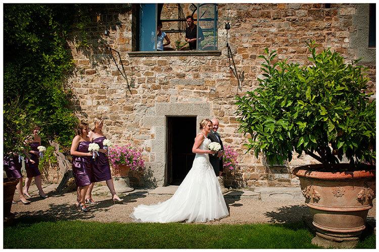 Castello di Vincigliata wedding bridal party
