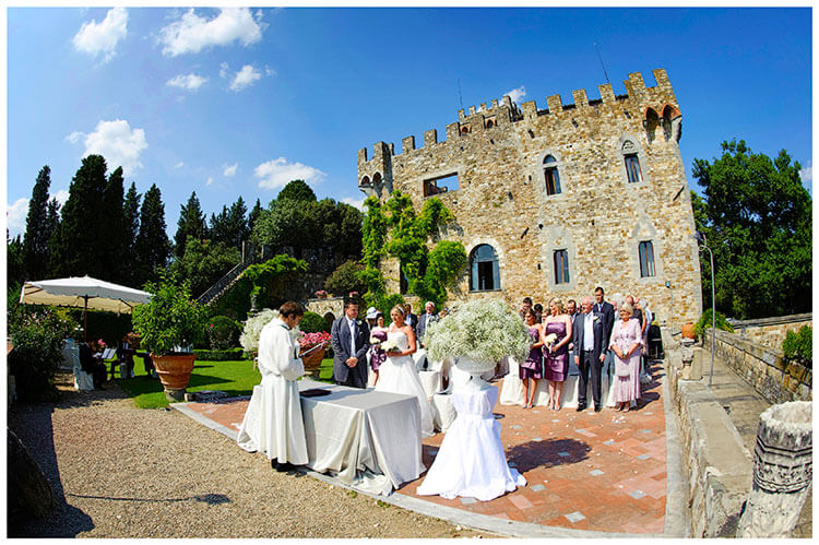 Castello di Vincigliata wedding venue ceremony