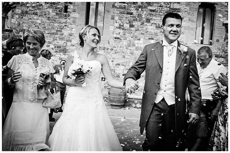 Castello di Vincigliata wedding confetti throwing