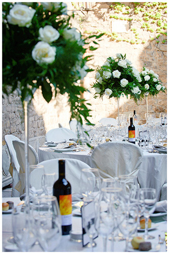 Castello di Vincigliata wedding tables decorated with flowers