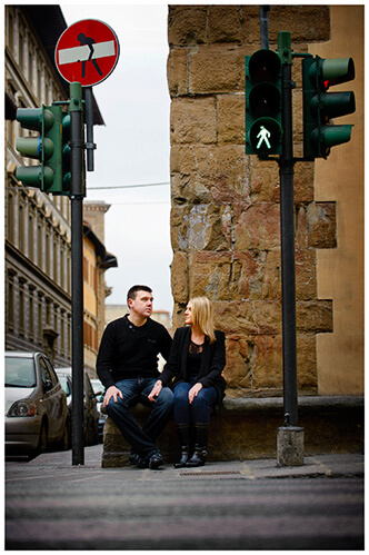 Pre-Wedding Photography in Florence couple sitting traffic lights