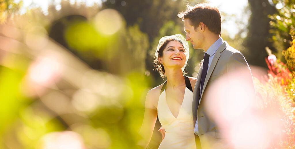 Creative Cambridge Wedding Photographer Clare College Bride groom in Gardens